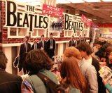 """ザ・ビートルズの""""ニューアルバム""""が世界最速で発売された東京・タワーレコード渋谷店"""