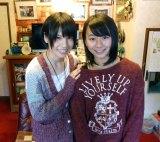 SKE48チームSリーダーの中西優香と1位指名の松本慈子さん(C)AKS