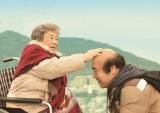 初主演作「ペコロスの母に会いに行く」では認知性の母親役を好演