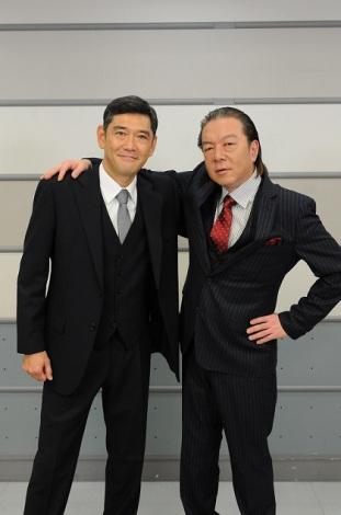 2014年1月放送スタートのドラマ『隠蔽捜査』にW主演する(左から)杉本哲太、古田新太(C)TBS