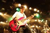 HYの1年半ぶりとなる全国ツアーの東京公演より許田信介(B)