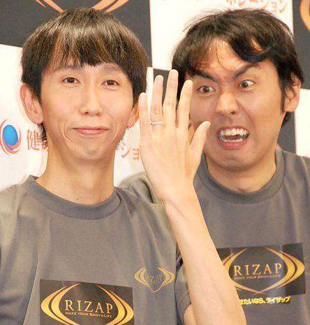 結婚を生報告したアンガールズ・山根良顕(左)と田中卓志(右) (C)ORICON NewS inc.
