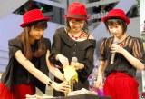 2ndシングル「イジワルしないで 抱きしめてよ/初めてを経験中」発売記念イベントを開催したJuice=Juice(左から)宮崎由加、高木紗友希、宮本佳林 (C)ORICON NewS inc.