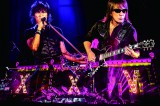 DVD・Blu-ray『B'z LIVE-GYM Pleasure 2013 ENDLESS SUMMER -XXV BEST-』をリリースするB'z