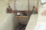 「太陽の船」の発掘現場=12月8日放送『新発見!ピラミッドに隠された真実を解け! 太陽の船大発掘スペシャル』(C)RKB