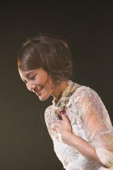 girl next door解散ライブ「LIVE THE LAST」で万感の思いを伝えた千紗。水泳の北島康介と結婚し、この日をもって芸能界を引退した。