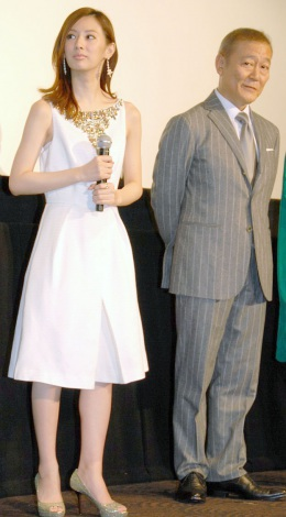 映画『抱きしめたい-真実の物語-』の完成イベントに出席した(左から)北川景子&國村隼 (C)ORICON NewS inc.
