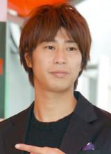 『よもぎ温座パット』販促イベントで司会を務めたパンサーの尾形貴弘 (C)ORICON NewS inc.