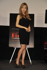 映画『ファイアbyルブタン』の特別試写会トークショーに出席した板野友美