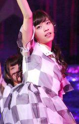 乃木坂46『Merry X'mas Show 2013』の模様(写真は西野七瀬) (C)ORICON NewS inc.