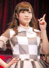 乃木坂46『Merry X'mas Show 2013』の模様(写真は白石麻衣) (C)ORICON NewS inc.