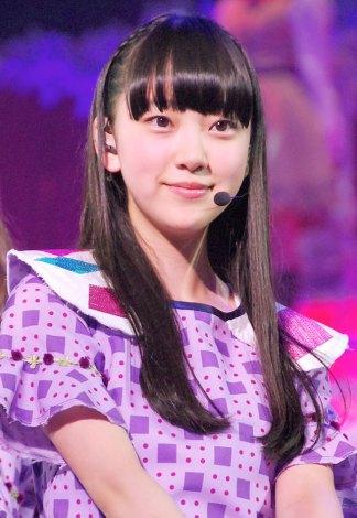 乃木坂46『Merry X'mas Show 2013』の模様(写真は堀未央奈) (C)ORICON NewS inc.
