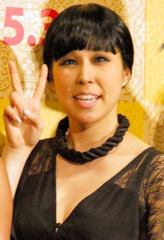 婚約中のAI、入籍「年内には」 結婚保証人の内田裕也に「びっくり ...