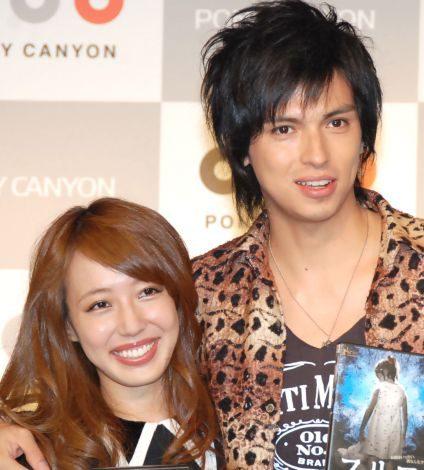 (左から)川崎希とアレクサンダー夫妻 (C)ORICON NewS inc.