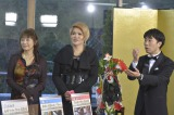 特番『浜ちゃんが!夢の売れ筋ベスト3 超豪華!正月から人生のご褒美スペシャル!!』に出演する(左から)かたせ梨乃、IKKO、藤井隆(C)読売テレビ