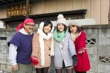 ビッグダディと、再びグラビア撮影に挑戦した3姉妹(左から)都美さん、詩美さん、柔美さん