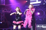 『Hello! Project COUNTDOWN PARTY 2013 〜 GOOD BYE & HELLO! 〜』に出演した(左から)藤本美貴、松浦亜弥