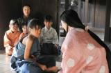 大河ドラマ『軍師官兵衛』がスタート。第1話は好奇心旺盛な少年・万吉(後の黒田官兵衛)を子役の若山耀人が好演(C)NHK