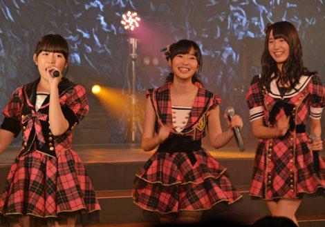 『博多レジェンド公演』特別バージョンを行ったHKT48の多田愛佳、指原莉乃、田中菜津美(左から) (C)ORICON NewS inc.