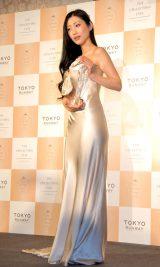 セクシーなドレス姿を披露した壇蜜=『第1回アイ・オブ・ザ・イヤー2014』授賞式 (C)ORICON NewS inc.