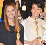 小泉今日子(左)からミシンをもらったことを明かした能年玲奈(右) (C)ORICON NewS inc.