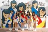 自分たちが描かれた壁画に感激したLinQ(左から)高木悠未、桃咲まゆ、天野なつ、吉川千愛、瑞稀もえ (C)ORICON NewS inc.