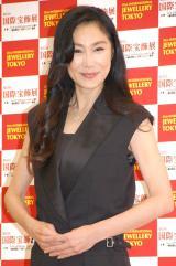 『第25回 日本ジュエリー ベストドレッサー賞』を受賞した浅野温子 (C)ORICON NewS inc.