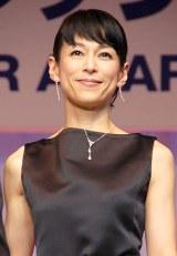 『第25回 日本ジュエリー ベストドレッサー賞』を受賞した鈴木保奈美 (C)ORICON NewS inc.