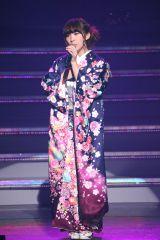 『AKB48ユニット祭り2014』「鞆の浦慕情」を披露した岩佐美咲(C)AKS