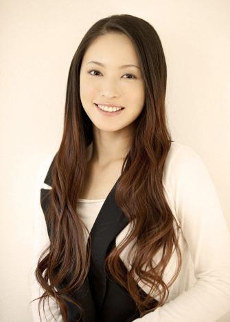 サムネイル 泉浩との結婚をブログで報告した末永遥