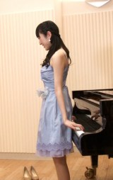 ピアノの背面弾きを披露したAKB48松井咲子 (C)ORICON NewS inc.