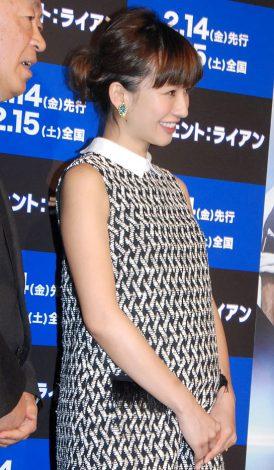 サムネイル 妊娠8ヶ月のふっくらお腹を披露した優木まおみ (C)ORICON NewS inc.