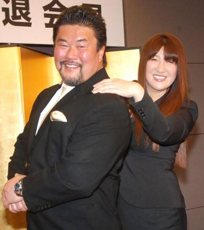 ブログを引退した(左)佐々木健介と妻の北斗晶 (C)ORICON NewS inc.