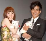 猫を抱いて登場した(左から)蓮佛美沙子、北村一輝 (C)ORICON NewS inc.