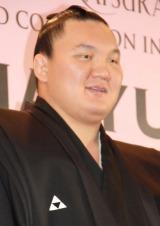 白鵬関=『2014 YUMI KATSURA GRAND COLLECTION in TOKYO』