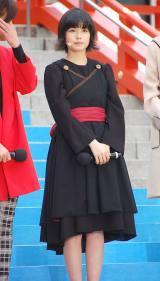 黒の役衣装で登場したキキ役の小芝風花=映画『魔女の宅急便』イベント