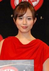 『ネスレ キットカット 大人の甘さ』新CMキャラクターに起用された比嘉愛未 (C)ORICON DD inc.