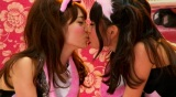 YouTubeで異例の1億回再生を達成したAKB48の代表曲「ヘビーローテーション」ミュージックビデオより