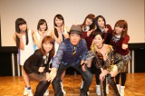 左から時計回りにさんみゅ〜、ウェザーガールズ、アイドリング!!!、古坂大魔王、五戸美樹アナウンサー
