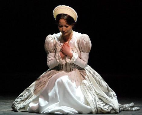 9日間だけイギリス女王に即位した女性を演じる堀北真希=舞台『9 days Queen 〜九日間の女王〜』プレスコール (C)ORICON NewS inc.