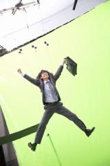 ロッテガム 『Fit's LINK』 新CM撮影に臨む滝藤賢一