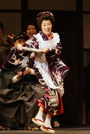 2009年5月、『放浪記』最後の公演の森光子さん。第二幕第一場「カフェー・寿楽」の踊り