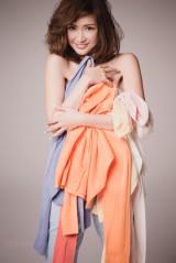 春らしい透明感のあるコーデを披露した紗栄子
