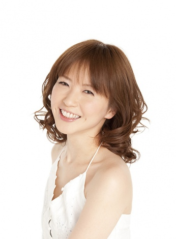 したたかな副編集長・八巻小夏役でフジテレビ系ドラマ『ファースト・クラス』に出演する三浦理恵子