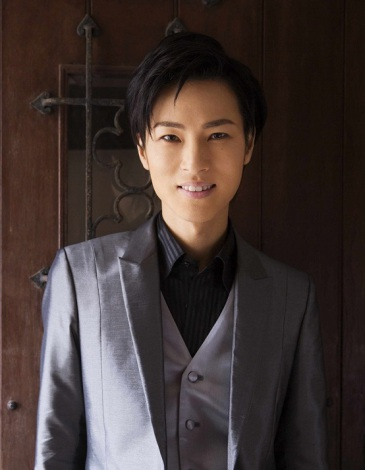 新曲「恋の手本」で初のTOP10入りを果たしたイケメン演歌歌手・山内惠介