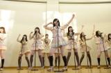福島県南相馬市でライブを行ったAKB48 (C)AKS