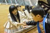 福島県南相馬市を訪問したHKT48の指原莉乃(=テクノアカデミー浜)(C)AKS