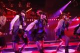 大島チームK公演で卒業日を発表した大島優子(写真中央)(C)AKS