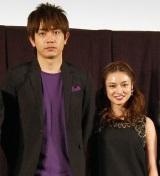 映画『摂氏100℃の微熱』の舞台あいさつに出席した(左から)青柳翔、平愛梨 (C)ORICON NewS inc.