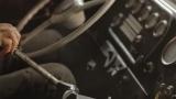 ブルース・ウィリスが採掘現場のオトコを演じる=缶コーヒー『コーワパワードコーヒー』採掘場篇